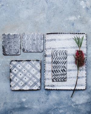 Grey and white square & rectangular plates