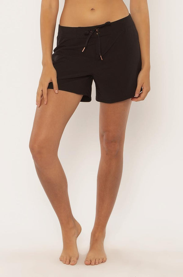 "Sisstrevolution Baja Bliss 5"" Black Boardshorts"