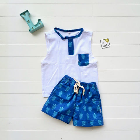 Caper Sleeveless Top & Shorts in Sea Turtles and White Stretch