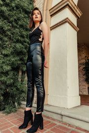 SHINNY FAUX LEATHER LEGGING HER WONDERLAND