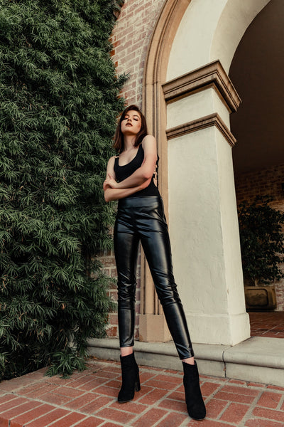 SHINNY BLACK FAUX LEATHER LEGGING HER WONDERLAND