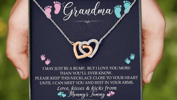 baby announcement necklace for grandma