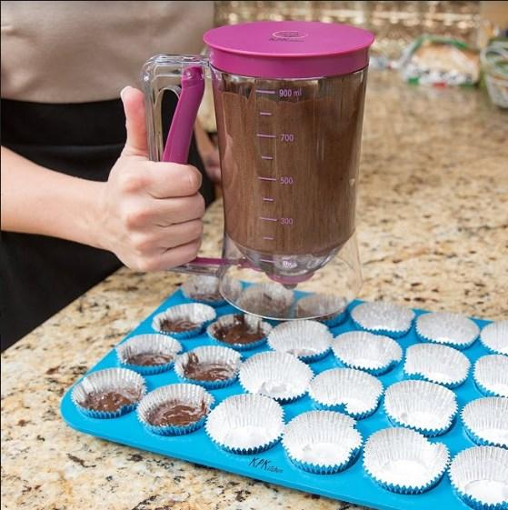 Silicone Dispenser Batter Cupcakes & Muffins. - bakers-dozen-store