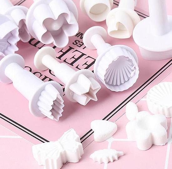 33 pcs Fondant Cutter Cookie and Cake Plunger
