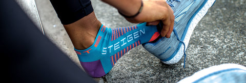 Steigen - 3/4 Length - Black Red Running Socks
