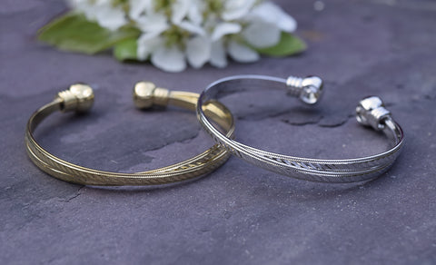 ETCHED GOLD BANGLE