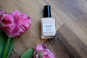 Almond Nail Varnish