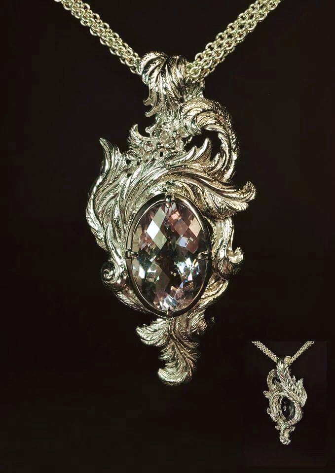 Gabriels Throne Pendant - Terry Schiefer