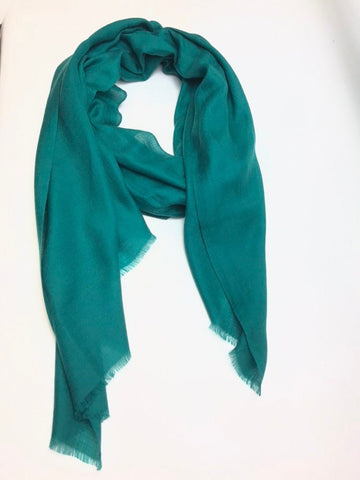 100% Superfine pure Cashmere Scarf green colour .women/loved by all age