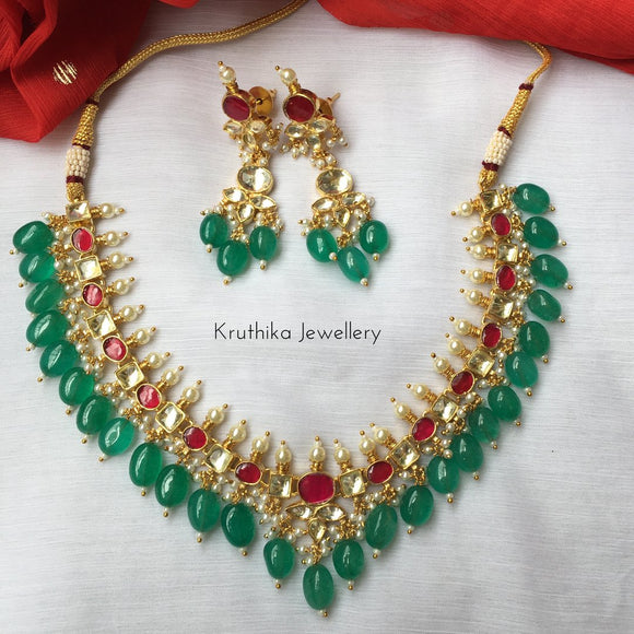 Ahmedabadi Kundan set with green bead drops KN1
