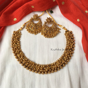 Cluster ghungroo beads necklace set
