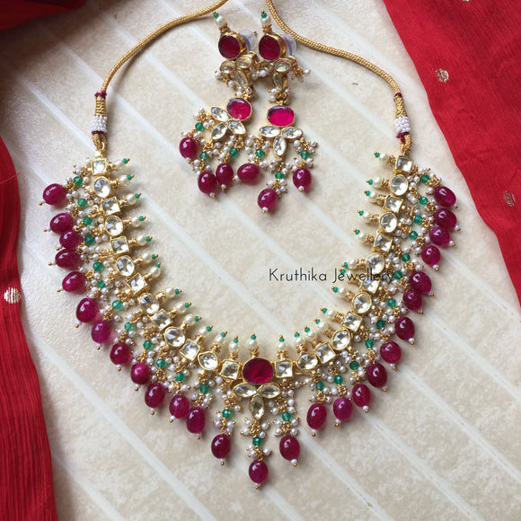Ahmedabadi kundan necklace set with pearls and beads