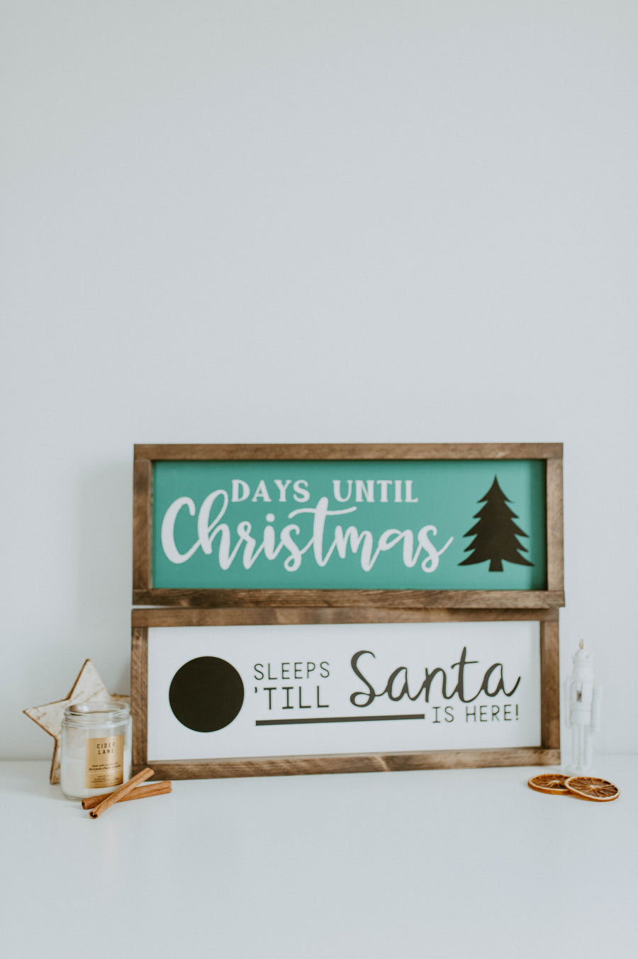 Days Until Christmas {chalkboard countdown}