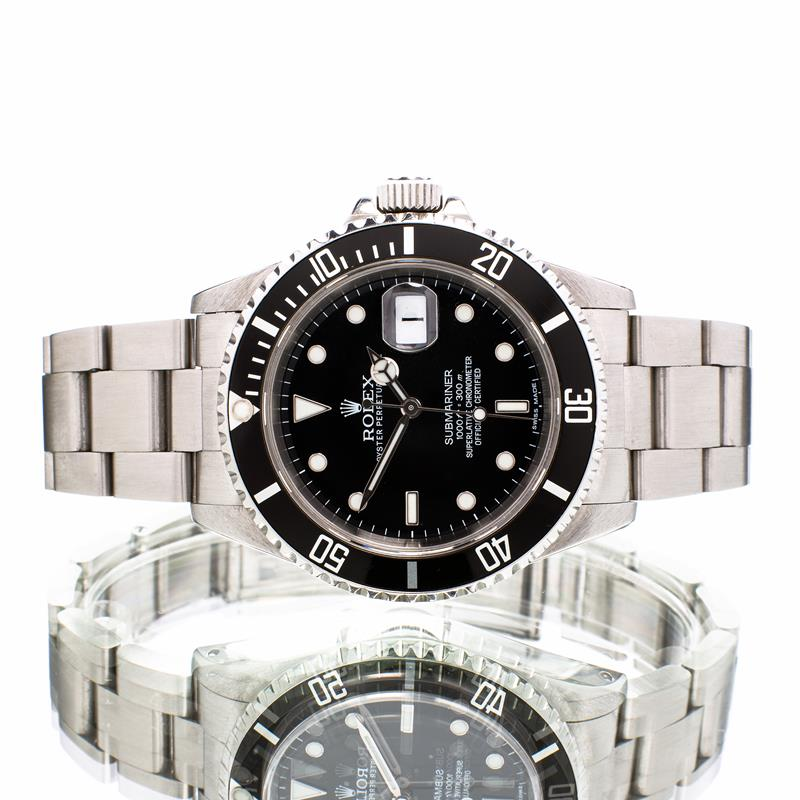 Pre-Owned Rolex Submariner Date 40 16610