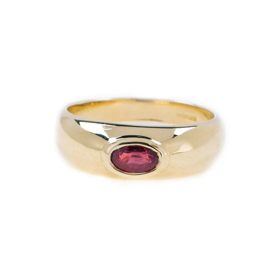Pre-Owned 9ct Gold Solitaire Garnet Ring