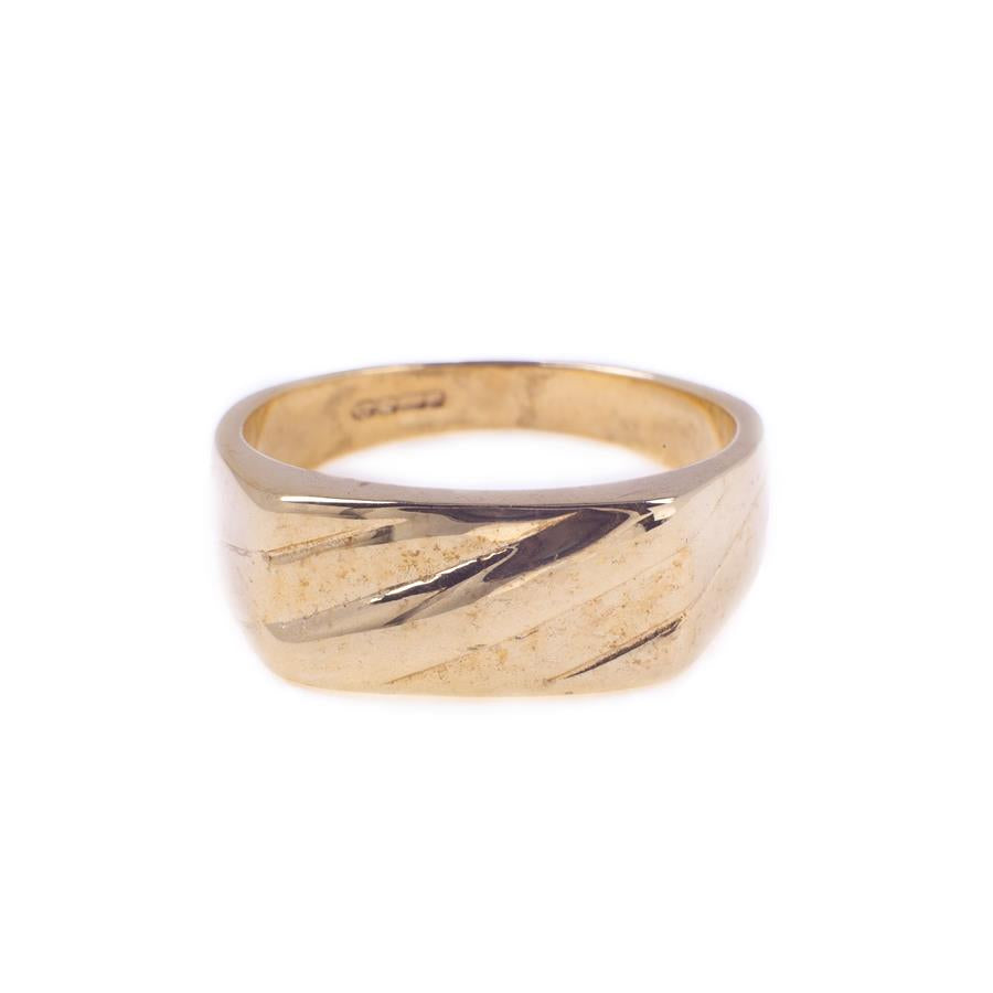 Pre-Owned 9ct Gold Diagonal Rectangle Signet Ring