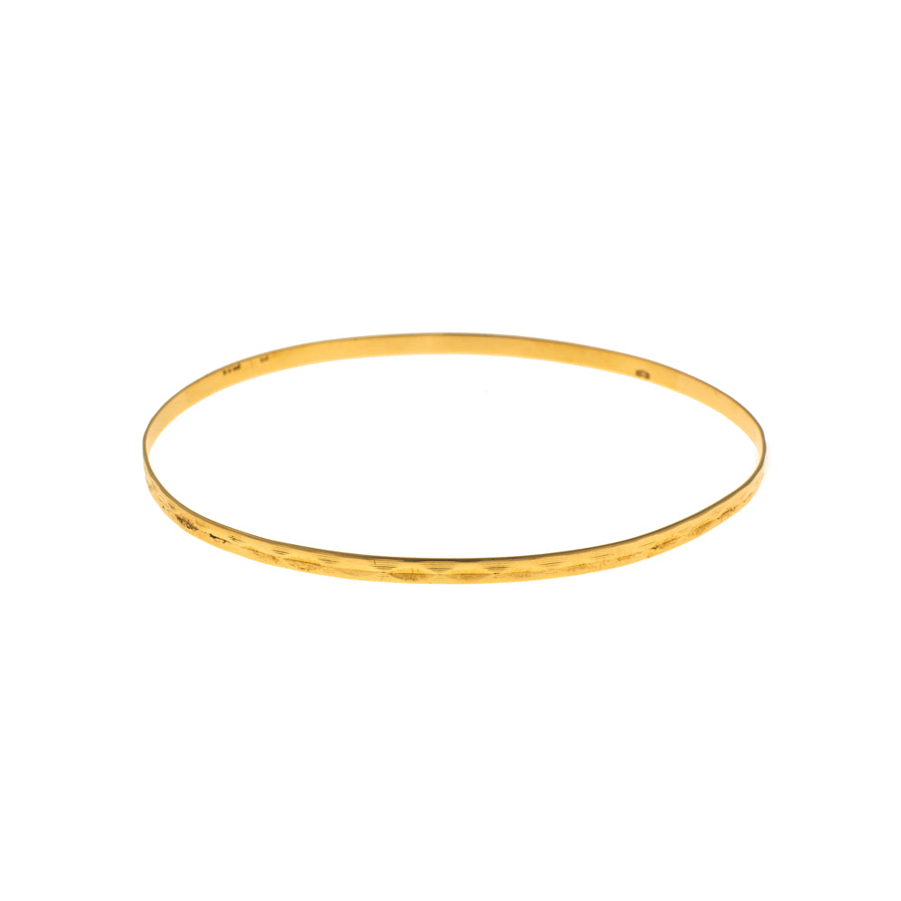 Pre-Owned 9ct Gold Faceted Pattern 2mm Love Bangle