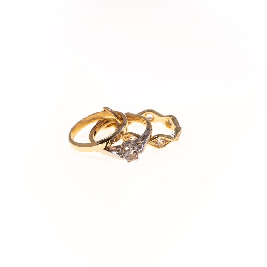 Pre-owned Three Rings Female Yellow Gold Charm