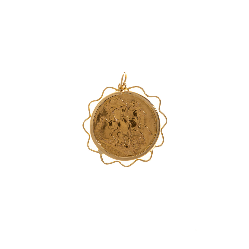 Pre-Owned 1912 Full Sovereign Gold Wavy Pendant
