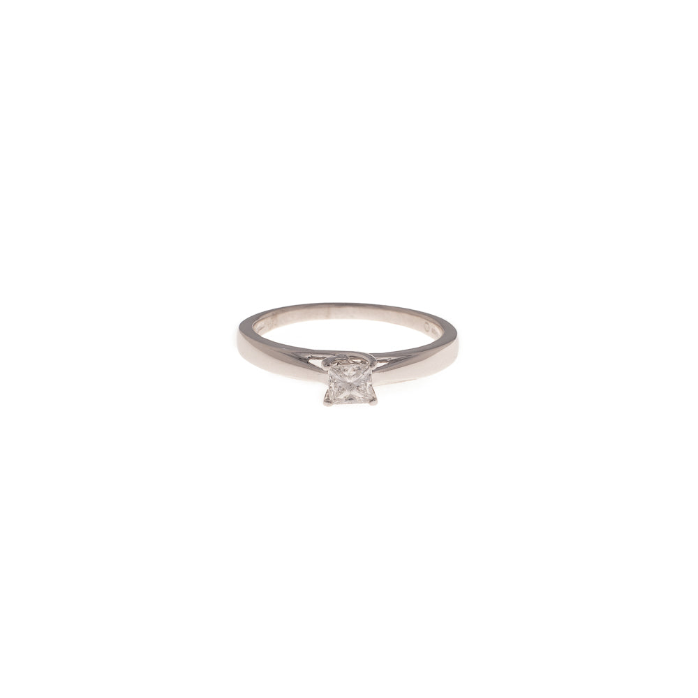 Pre-Owned White Gold Princess Cut Diamond Ring
