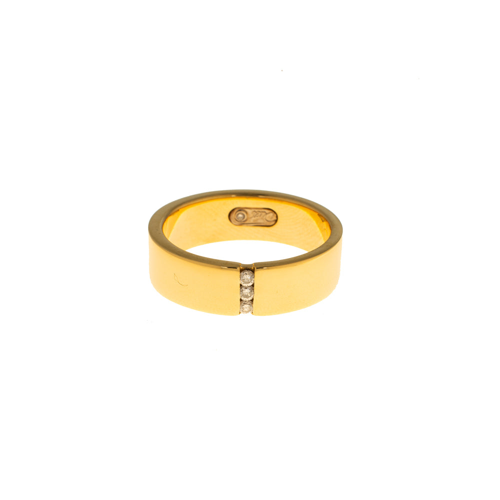 Pre-Owned Gold 3 Vertical Diamond 6mm Band Ring