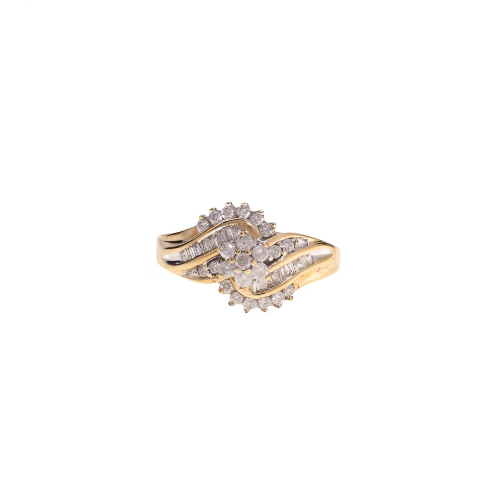 Pre-Owned 9ct Gold Cluster Diamond Swirl Ring