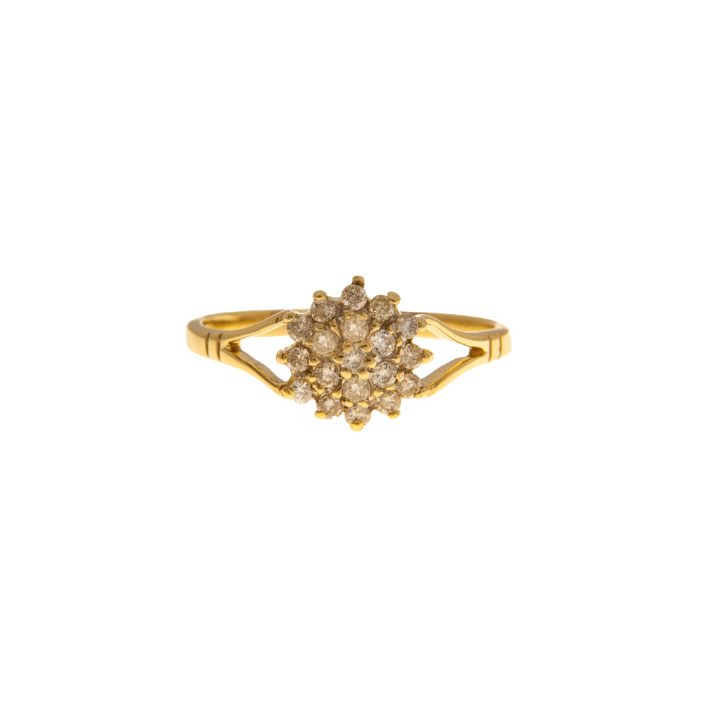 Pre-Owned 9ct Gold 19 Diamond Star Cluster Ring