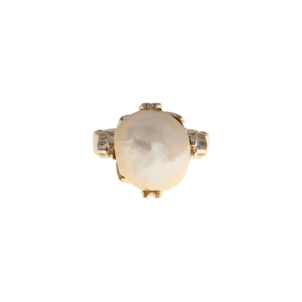 Pre-Owned White Gold Diamond & Pearl Dress Ring