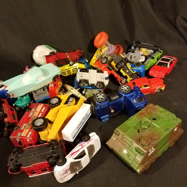 Toy Cars Lot ertl matchbox tootsietoy etc 70s and earlier