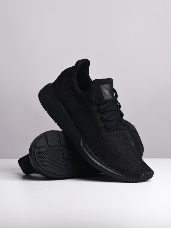 MENS SWIFT RUN BLACK/BLACK SNEAKERS
