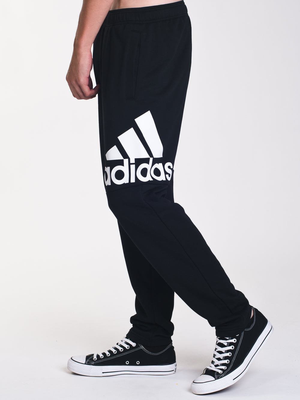MENS ESSENTIALS LOGO PANT - BLACK
