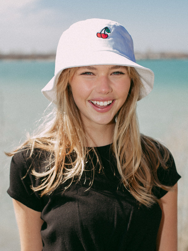 BUCKET HAT - CHERRY