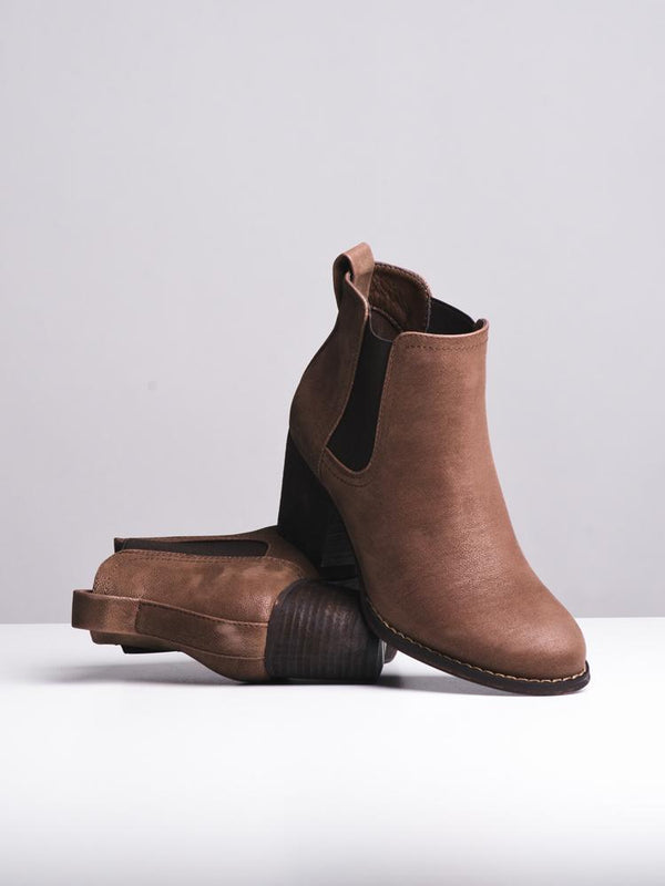 WOMENS ARIA BROWN BOOTS- CLEARANCE