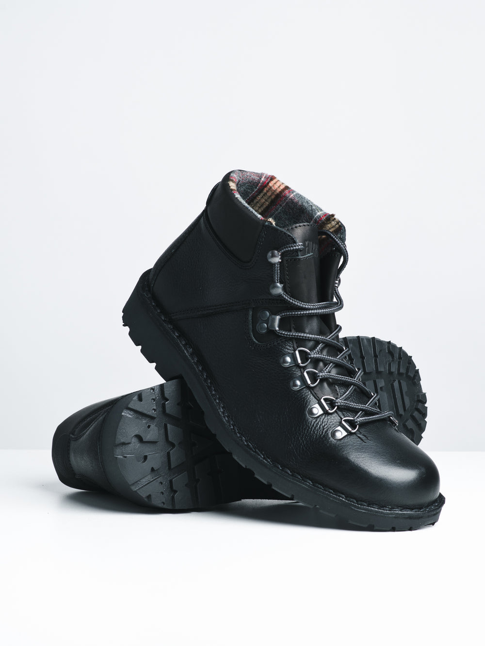 MENS PYRAMID - BLACK-D4