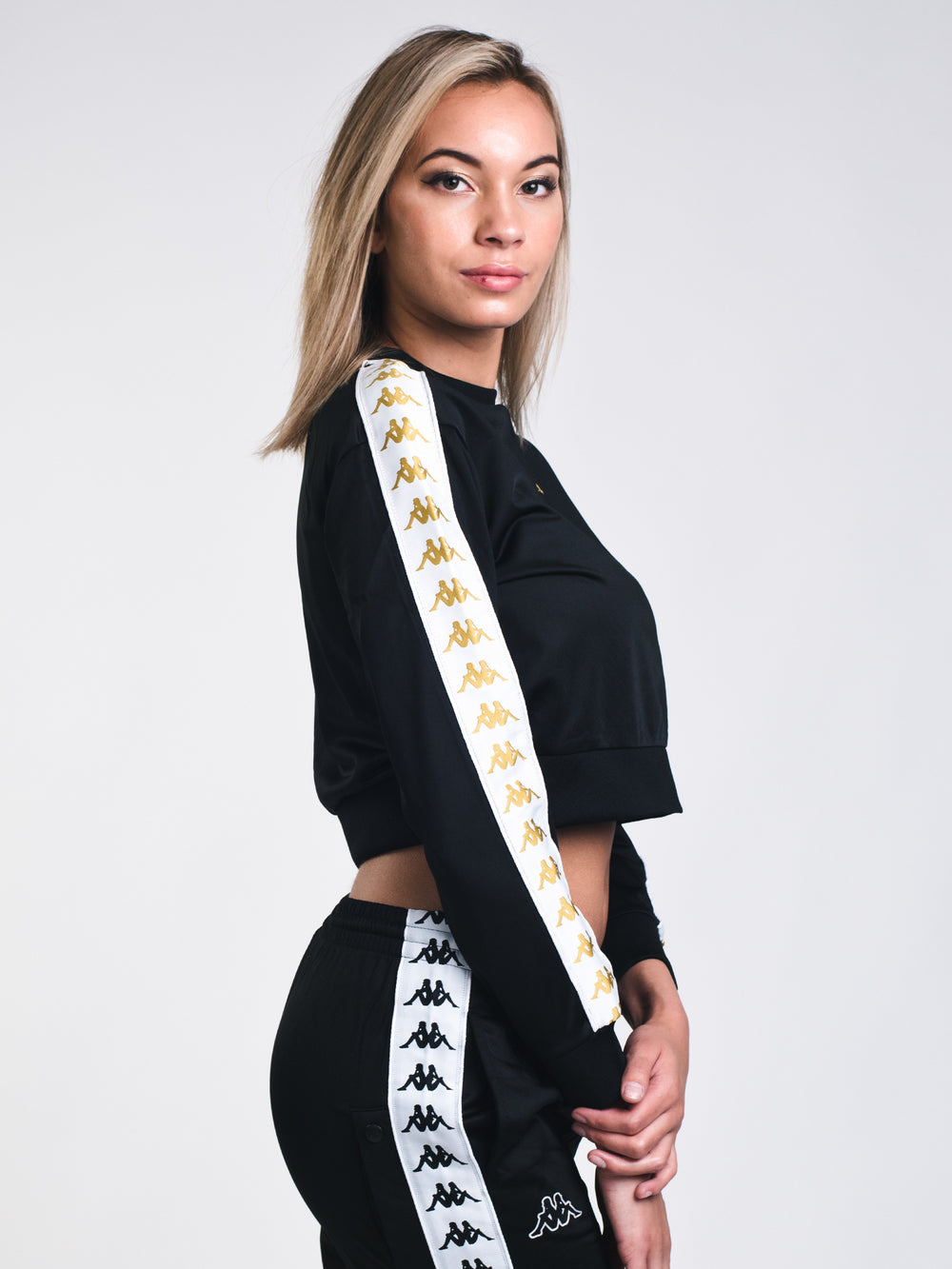 WOMENS BANDA AHMIS LONG SLEEVE CROP - BLACK