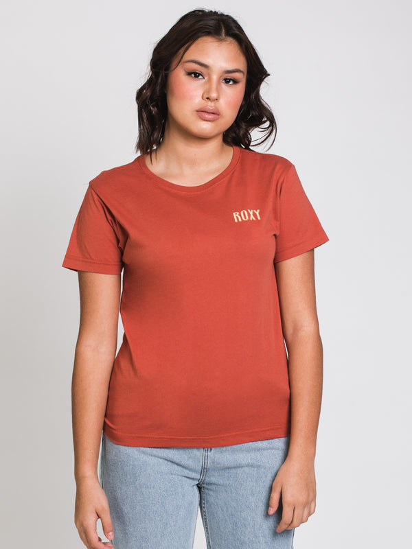 WOMENS GEO SURF SHORT SLEEVE TEE - AUBURN