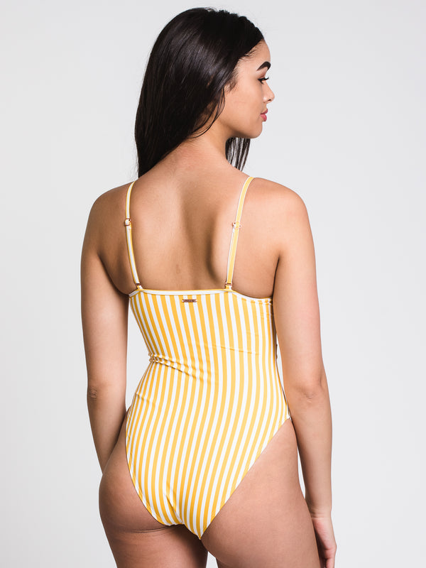 GOLDEN GIRL BELTED ONE-PIECE - W/G