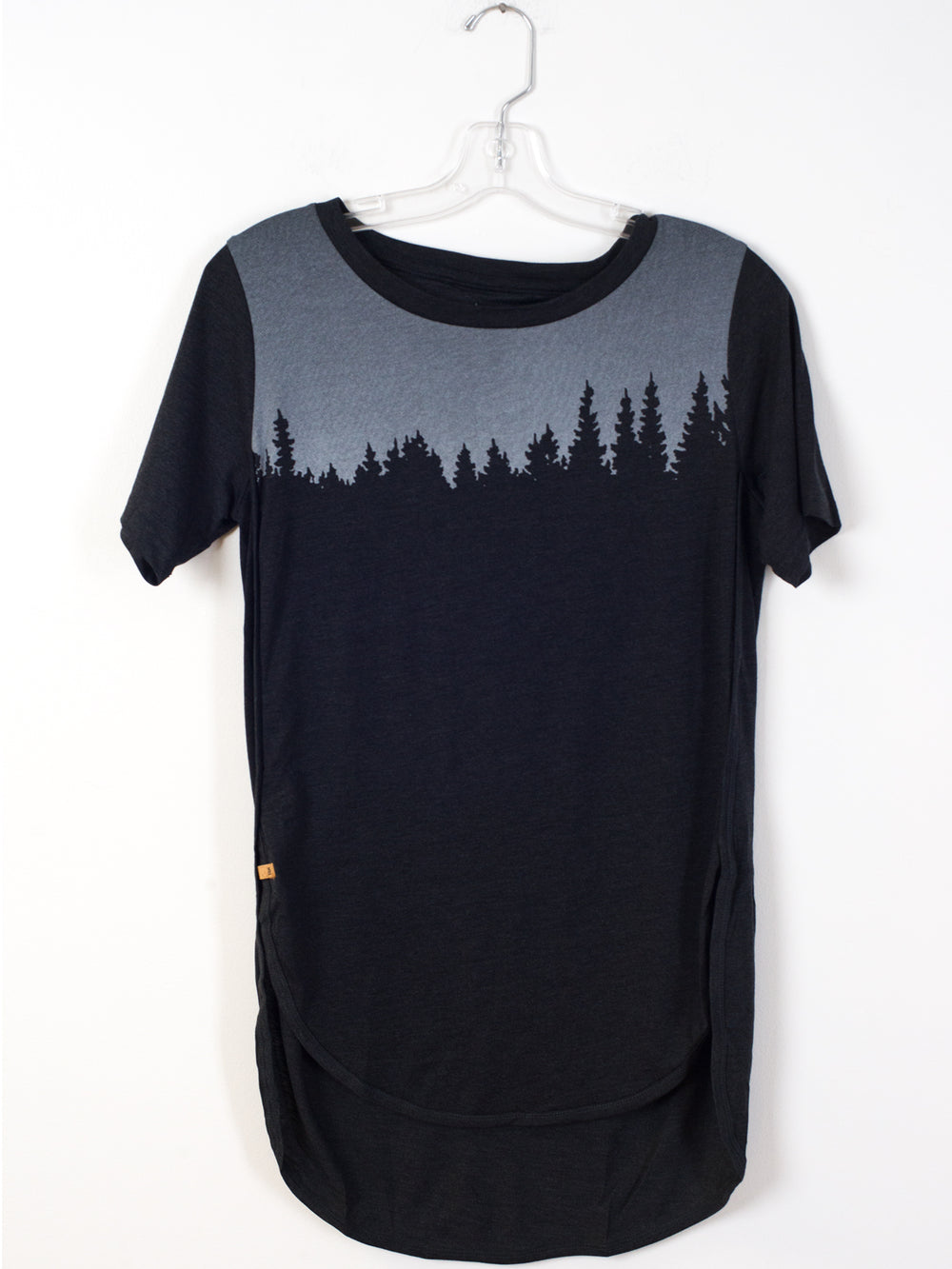 WOMENS JUNIPER CURVER SHORT SLEEVE TEE - BLACK