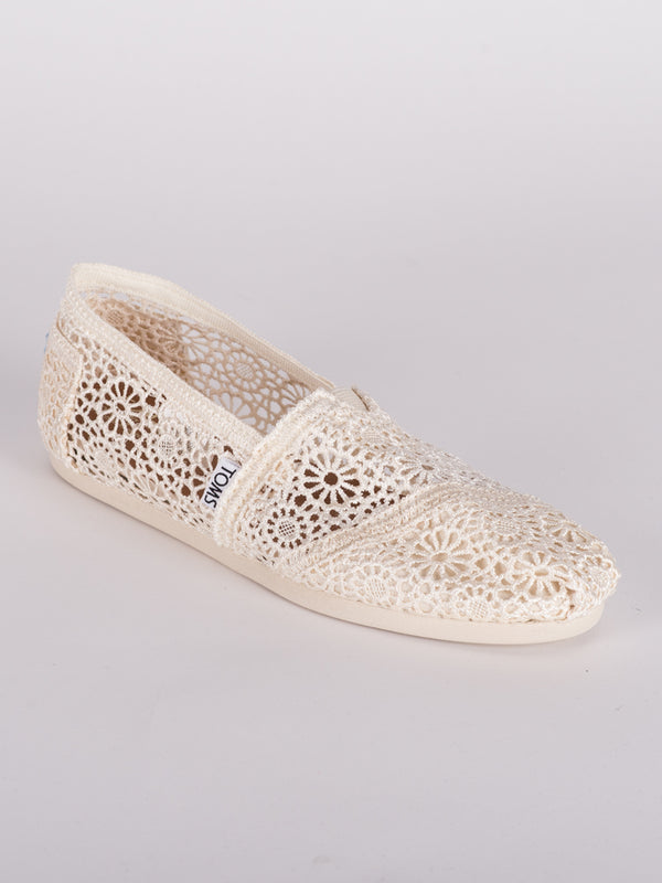 WOMENS CLASSICS CANVAS SHOES- CLEARANCE