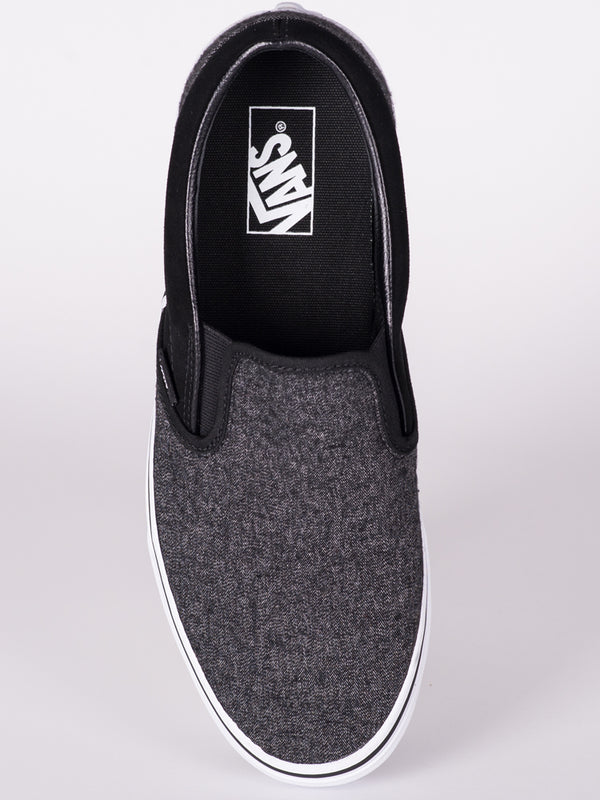 MENS CL SLIP ON  - CLEARANCE