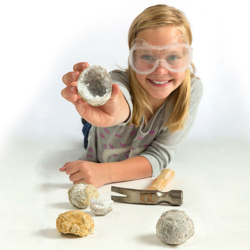 Image of National Geographic World's Best Geode Kit - 15 Geodes