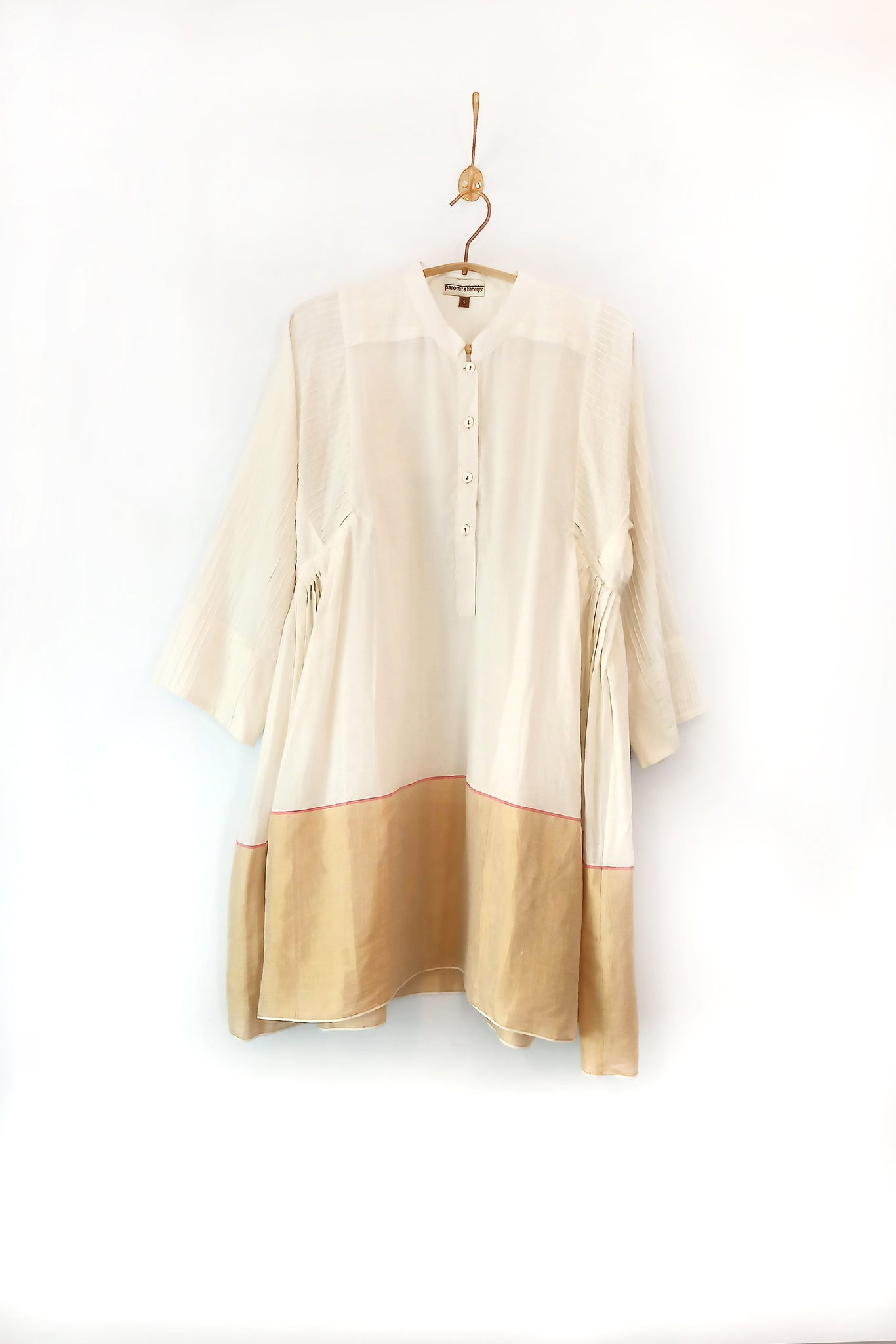 Woven ivory - gold tunic