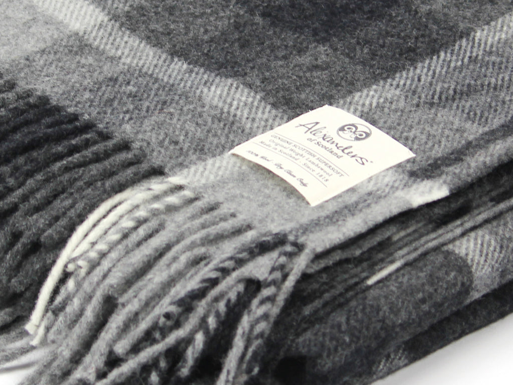 Traditional Weight Woollen Blanket - Charcoal Plaid