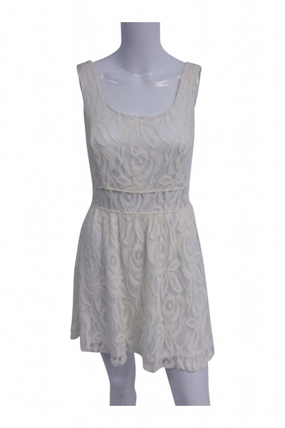 Wet Seal, Women's White Lace Scoop-neck Sleeveless Dress - Size: L (Regular)