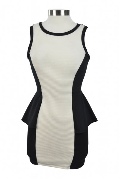 Material Girl, Women's Black And White Dress - Size: XS (Regular)