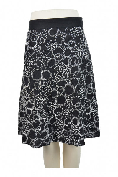 Christopher & Banks, Women's Black And White Floral Skirt - Size: 8 (Regular)