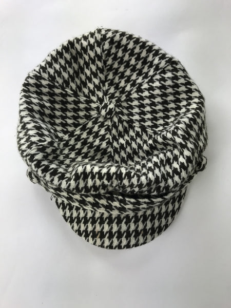 Unbranded Accessories, Women's White And Black Beret Hat - Size: One Size (Regular)