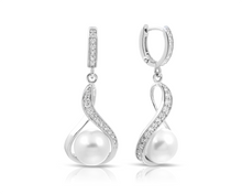 Load image into Gallery viewer, Liliana Earrings