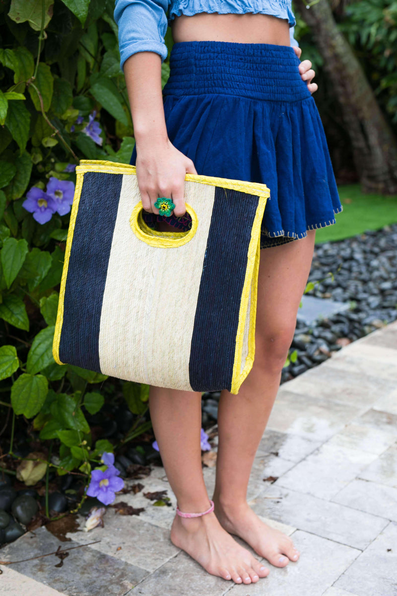 Sandy Straw Clutch