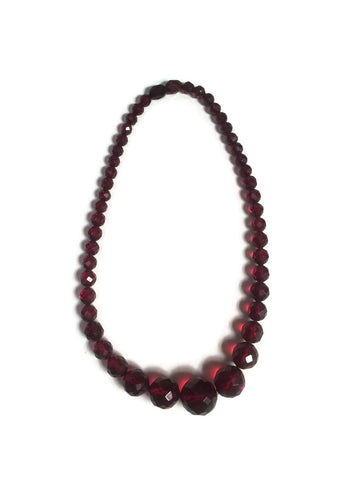 Faceted Cherry Bakelite Necklace With Screw Clasp